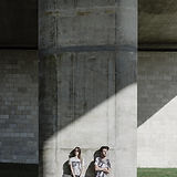 Skaters stödd på betong
