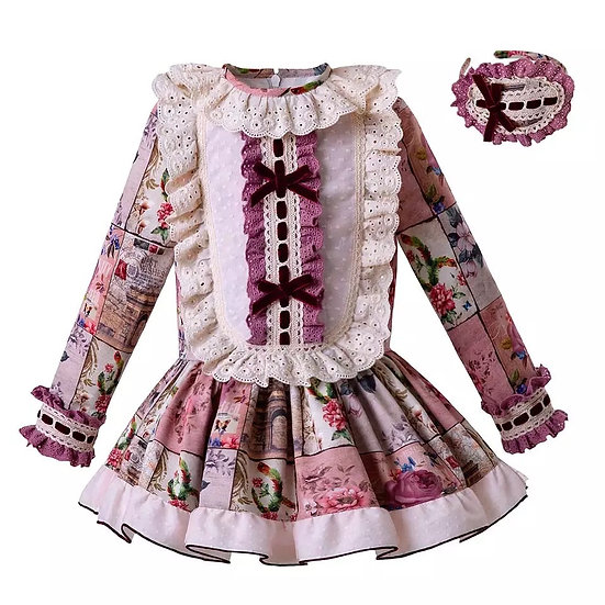 Платье цветочное с кружевной манишкой