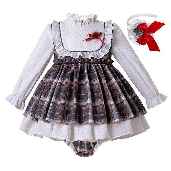 Платье в клетку с рюшами для малышки с чепчиком