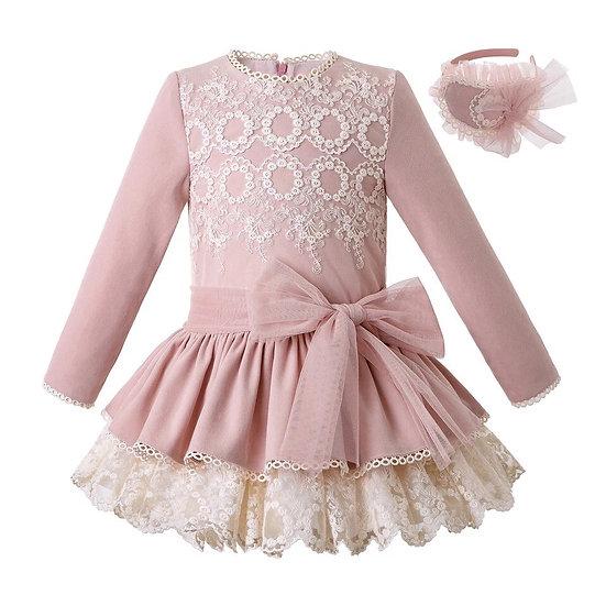 Платье пудровое для девочки с заниженной талией