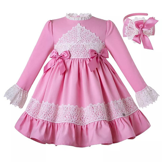 Платье розовое с кружевом