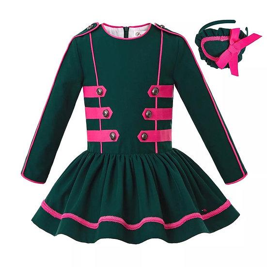 Платье темно-зеленое с заниженной талией для девочки
