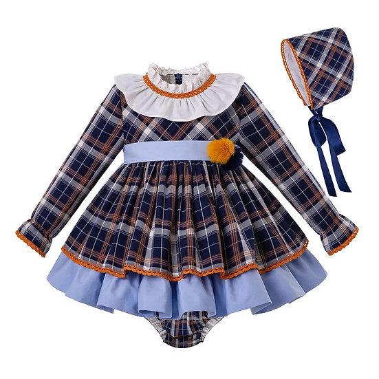 Платье в клетку для малышки с чепчиком