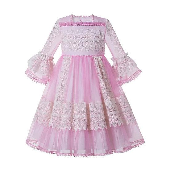 Розовое кружевное платье для девочки
