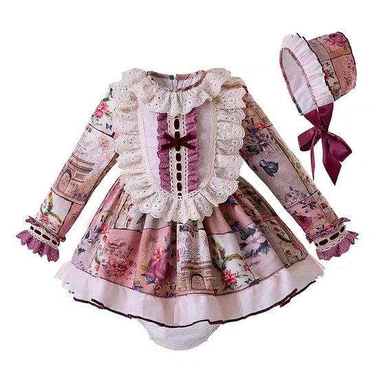 Платье цветочное и кружевной манишкой для малышки