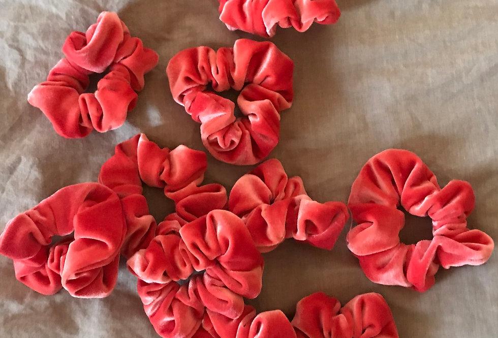 BRIA | Velvet scrunchies