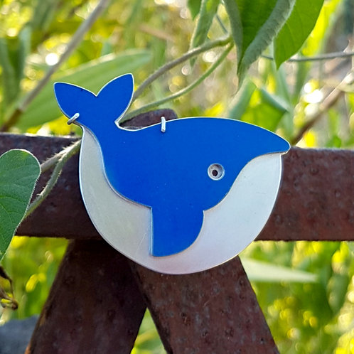 WHALE MAGNETIC BROOCH