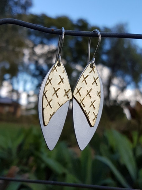 LEAF DROP EARRINGS - Brass Lrg X's Aluminium