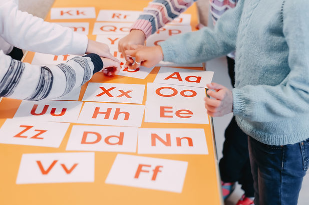 students-education-play-cards-with-pictu