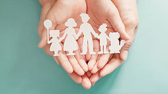 hands-holding-paper-family-cutout_web.jp