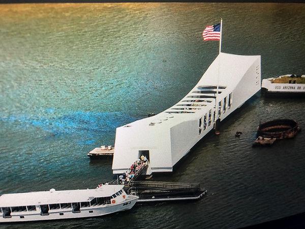 3-USS-Arizona-Memorial-boarding-passenge