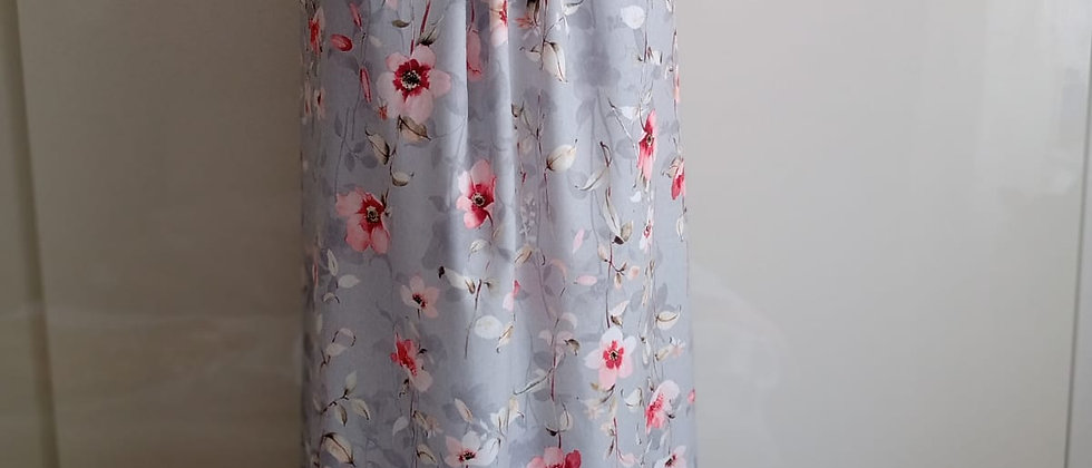 Letní šaty s hedvábným leskem světle šedé