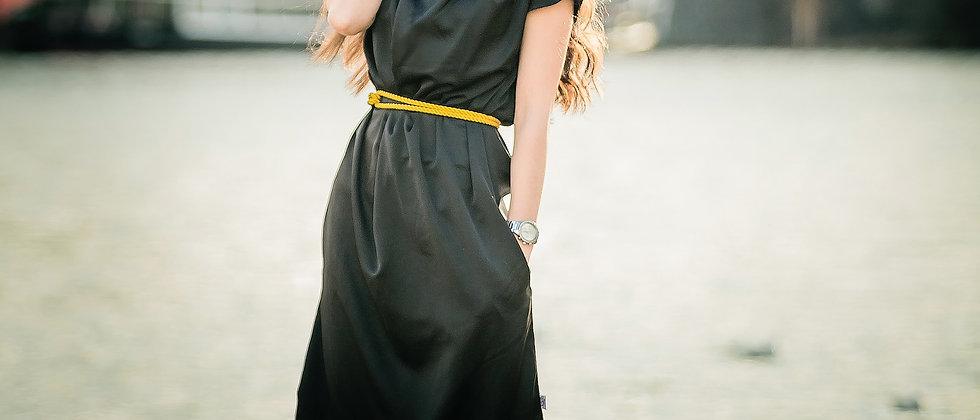 Saténové šaty se zlatým krouceným lanem