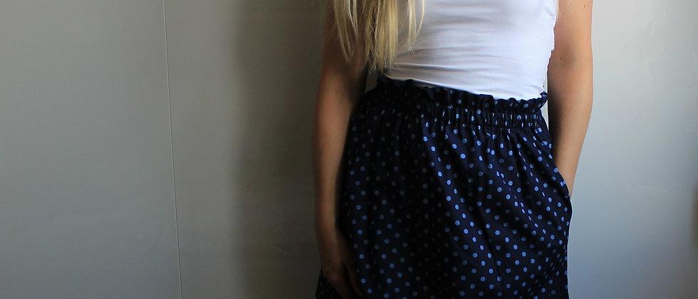 Řasená sukně V puntíku (tmavá)