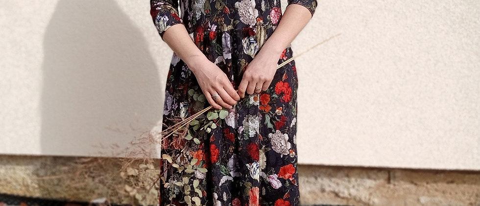 Viskózové šaty s nařasenou sukní