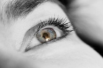 eyelashes-831803_1920.jpg