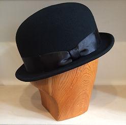 hattukauppa swon annankatu hattukorjaus hattusomiste hattusulka sulka sulat somiste koriste koristeet korjaus hattujen korjaus hattu hatut