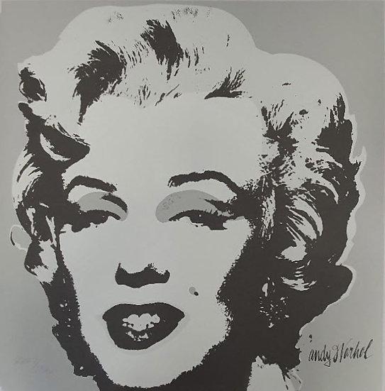 [Andy Warhol] Marilyn Monroes (b/w)