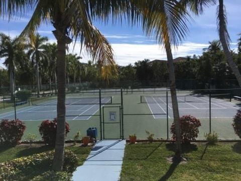 OH_amenities_tennis_court_extra.jpg