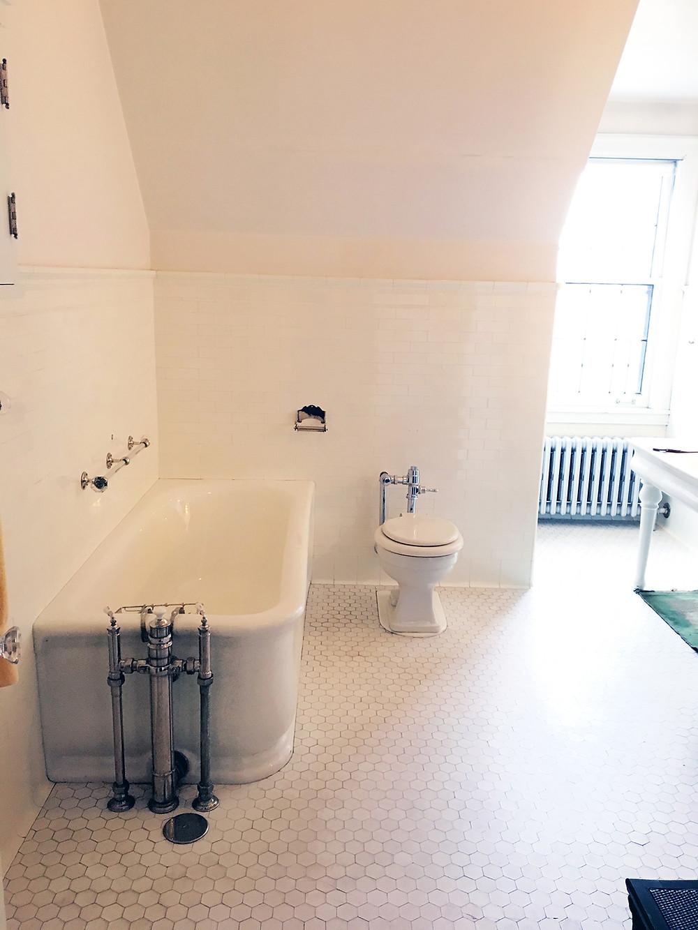EH Design Blog - Glensheen Mansion - White Bathroom