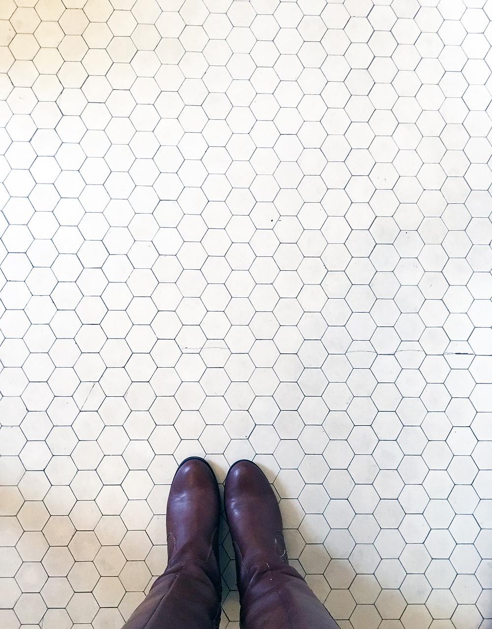 EH Design Blog - Glensheen Mansion - Hex Tile Flooring in Bathroom