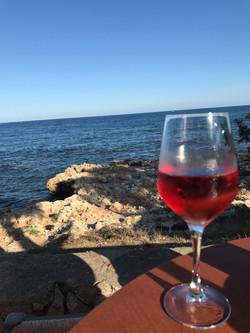 Wein in Cala Bona
