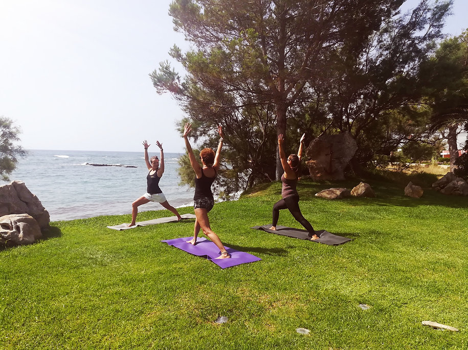 yogasolmallorca_yoga to go_beach_02.jpg
