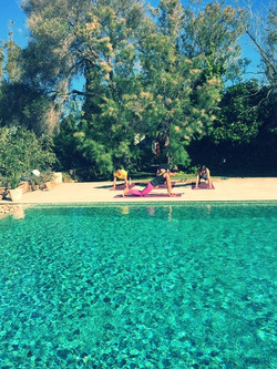 YOGA to go private Pool