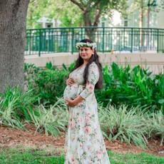 Chandra & Shashank Maternity-17-min.jpg