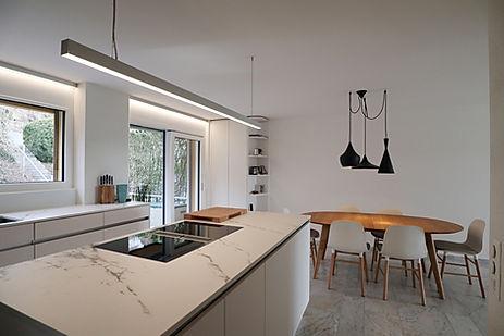 09 Küche mit Kochinsel