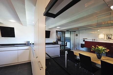07 Küche mit Sideboard