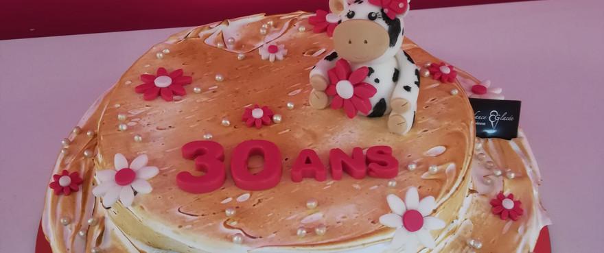 gâteau statue vache.jpg