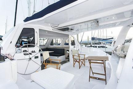 Whitsunday-Escape-Seawind-1160-LITE-cockpit-seating-1024x683.jpg