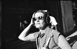 1-Woman-Sun-Glasses-1N6P.jpg