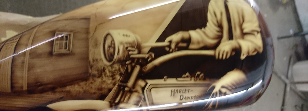 West Coast Harley Shop Display Tank (13)