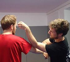 self-defense-applications-martiales-poitiers-844x744.JPG