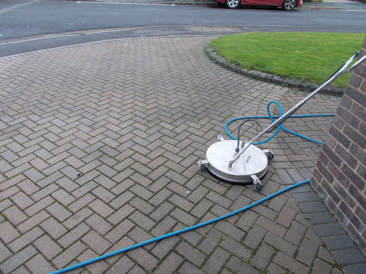 driveway cleaning ipswich .jpg