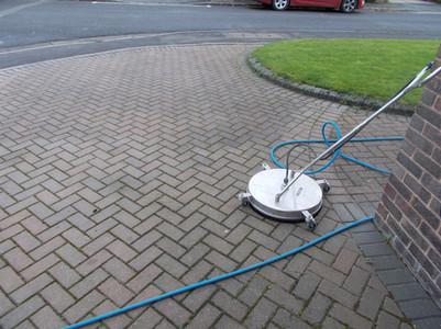 driveway cleaning ipswich .jpg