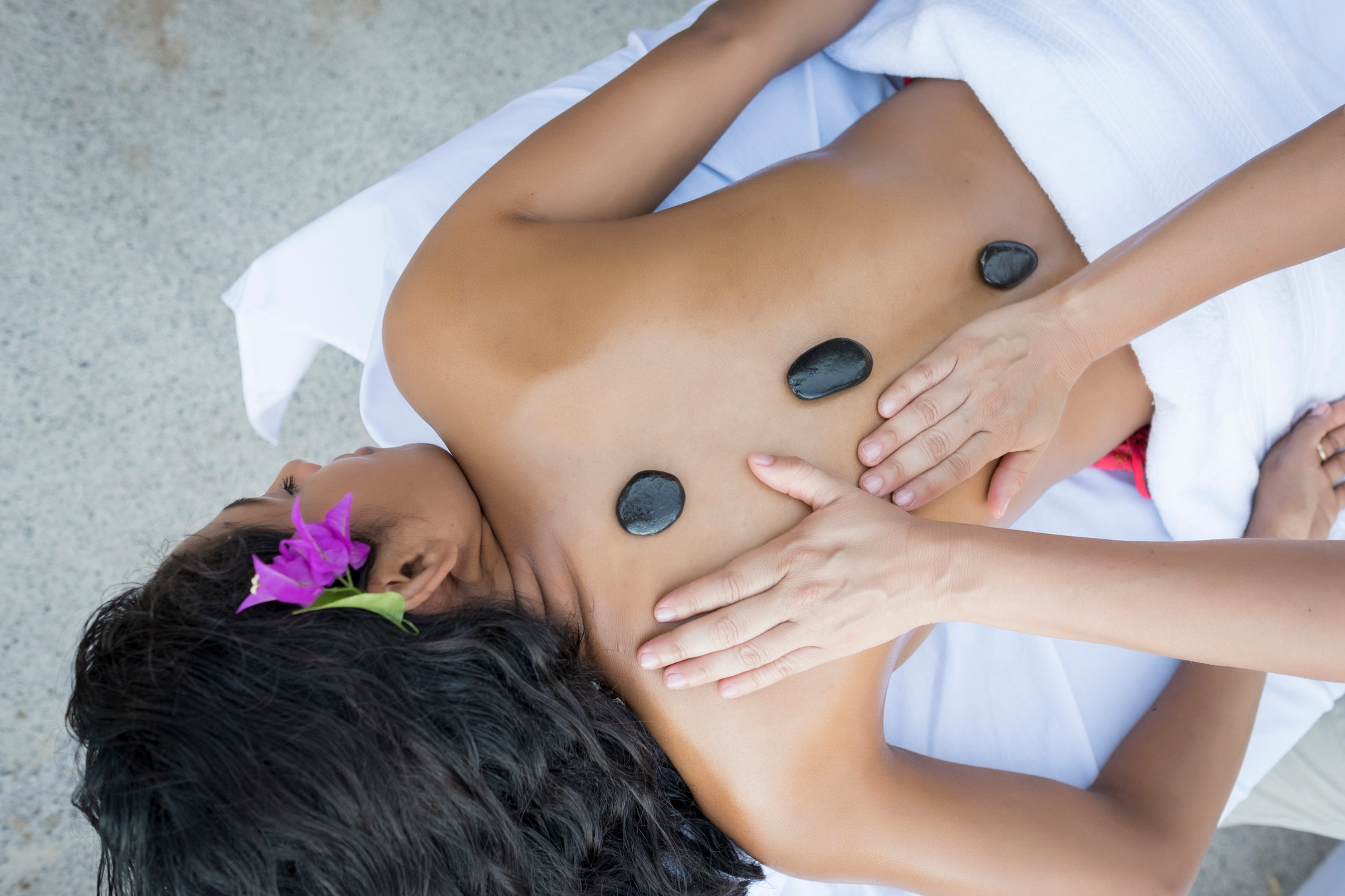 Relaxation Massage with Hot stones
