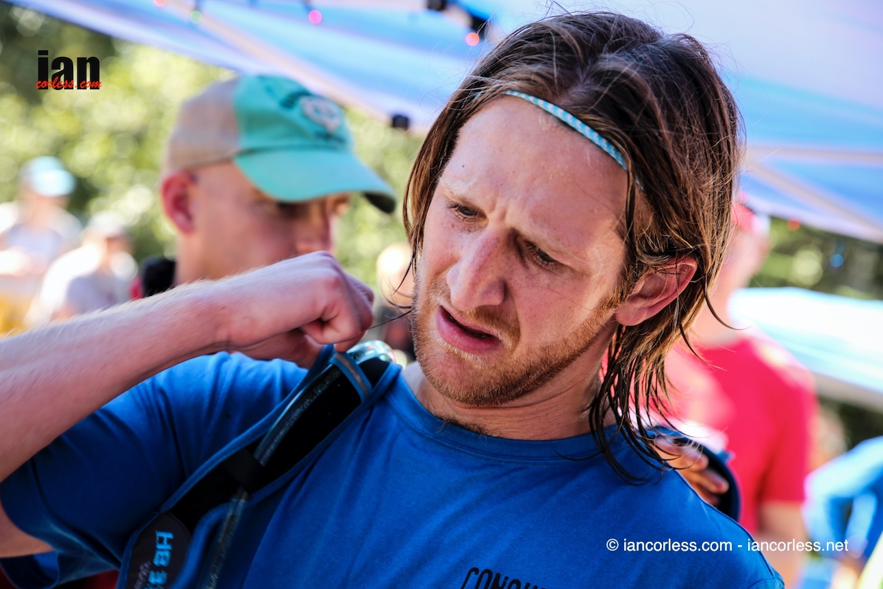 Alex_water station_Superior Fall Trail Marathon_2016