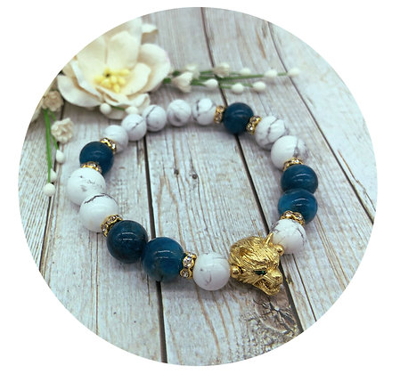 Howlite and ocean apatite gemstone bracelet