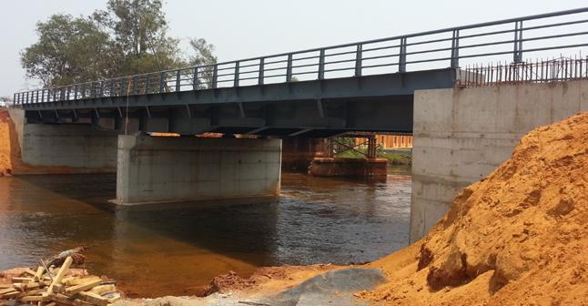 Encontros e pilares de ponte