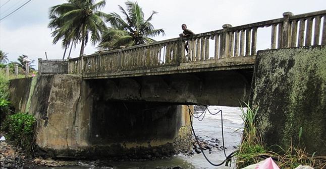 Ponte rodoviária: Agua Izé, São Tomé