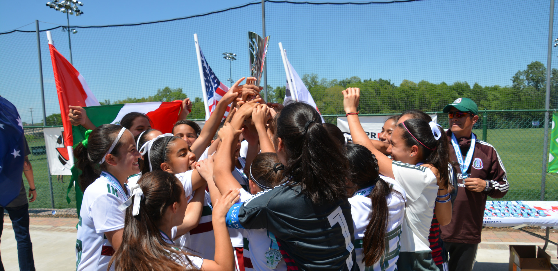 2004 Champions - Mexico Women's National Team