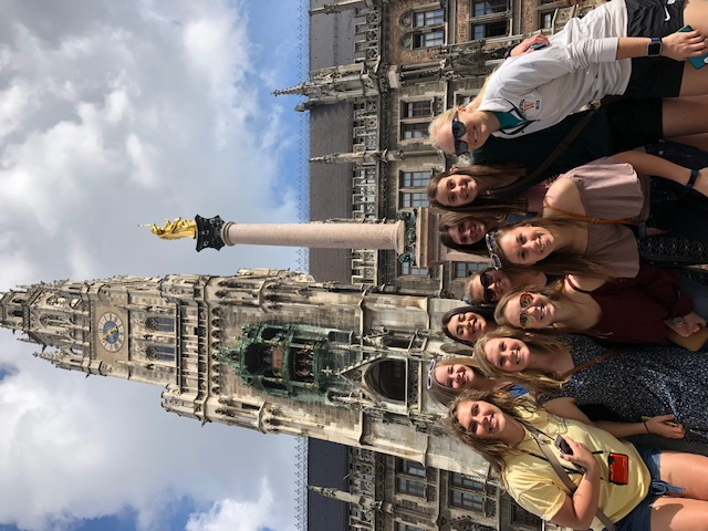 Wartburg_College_Women's_soccer_team_traveled_to_Germany_(3)