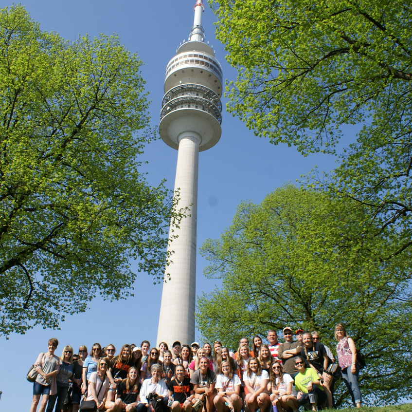Wartburg_College_Women's_soccer_team_traveled_to_Germany_(1)