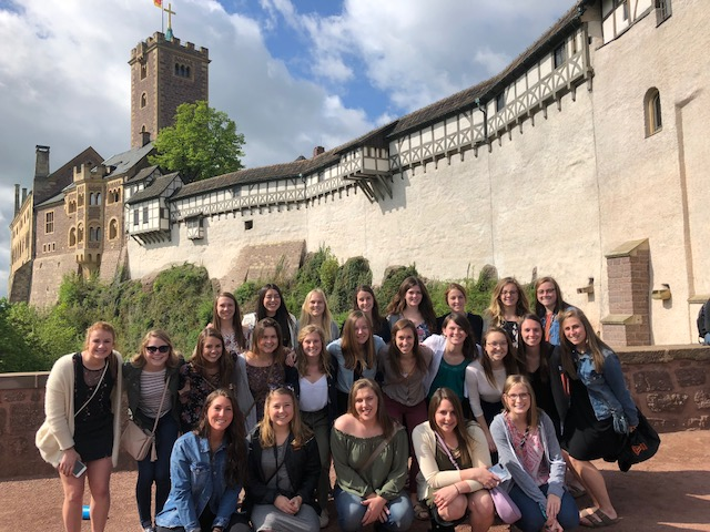Wartburg_College_Women's_soccer_team_traveled_to_Germany_(4)