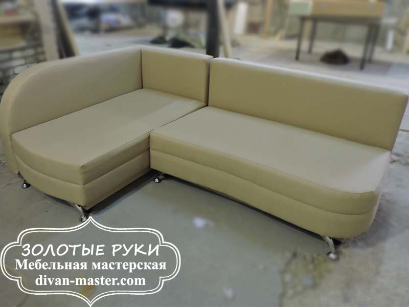 Угловой диван после перетяжки