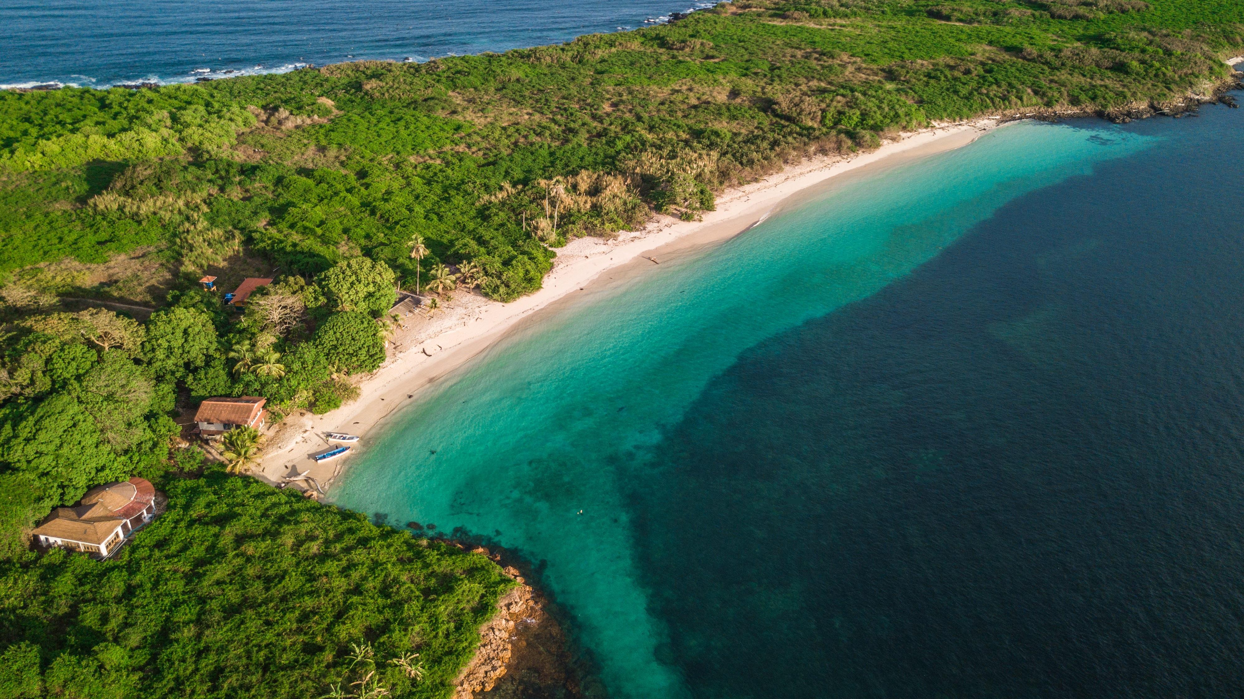 isla-iguana-los-santos-strand