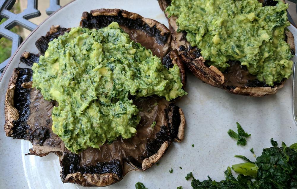spinach and avocado stuffed mushrooms